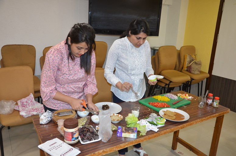 The National Nutrition Week - 2019 celebrations at Jaslok Hospital involved us sampling a variety of nutritious and healthy dishes. We also spread awareness about important macronutrients and what foo