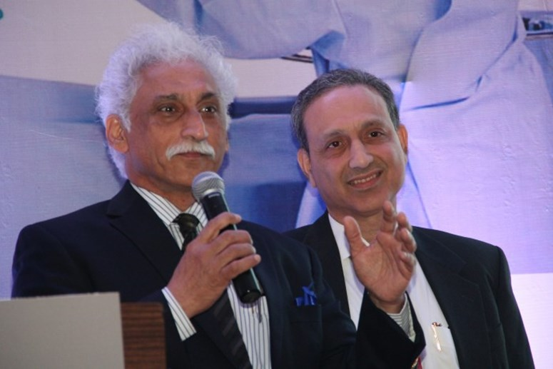 Dr. Shailesh Raina & Dr. P F Soonawala at Robotics Launch - Jaslok Hospital