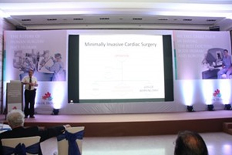 Dr. Suresh Joshi at Robotics Launch - Jaslok Hospital