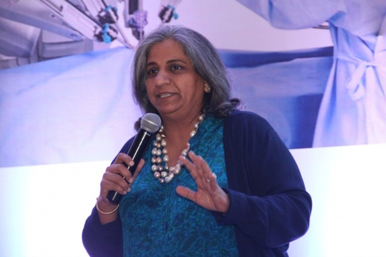 Dr. Neeta Warty at Robotics Launch - Jaslok Hospital