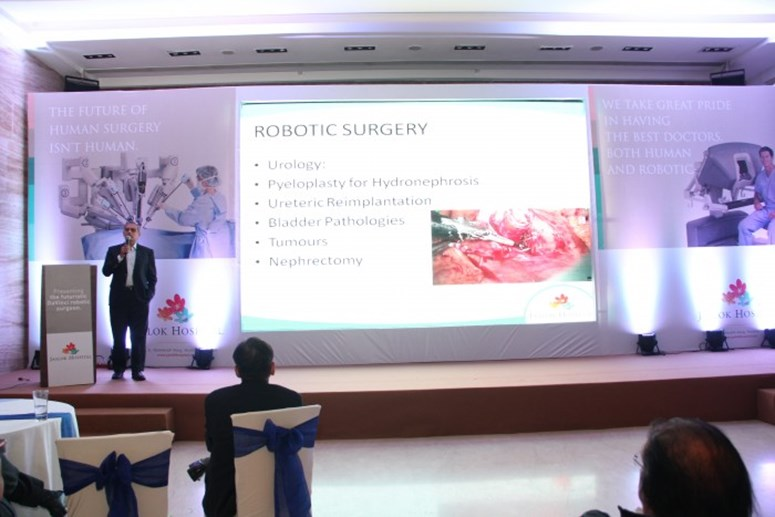 Dr. Amrish Vaidya at Robotics Launch - Jaslok Hospital